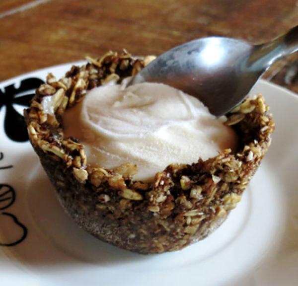 Casquinha de sorvete feita com granola