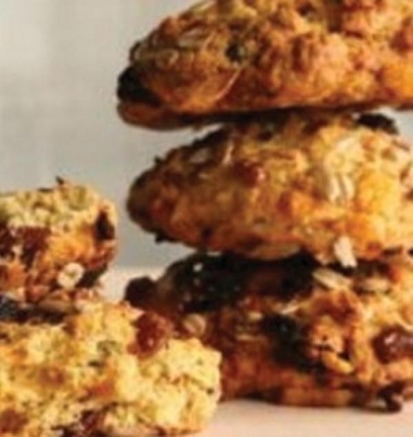 Biscoitos com Passas e Granola Tia Sônia